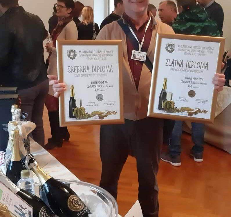 Pjenušac Centurion Gold - zlatni, Višnjan 2019.